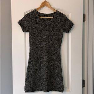 LIKE NEW! THEORY short sleeve sweater dress Size M